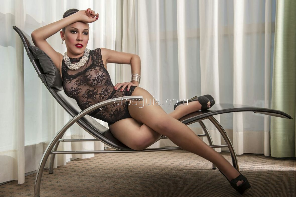 Come to my discreet apartment in the downtown and you will enjoy!