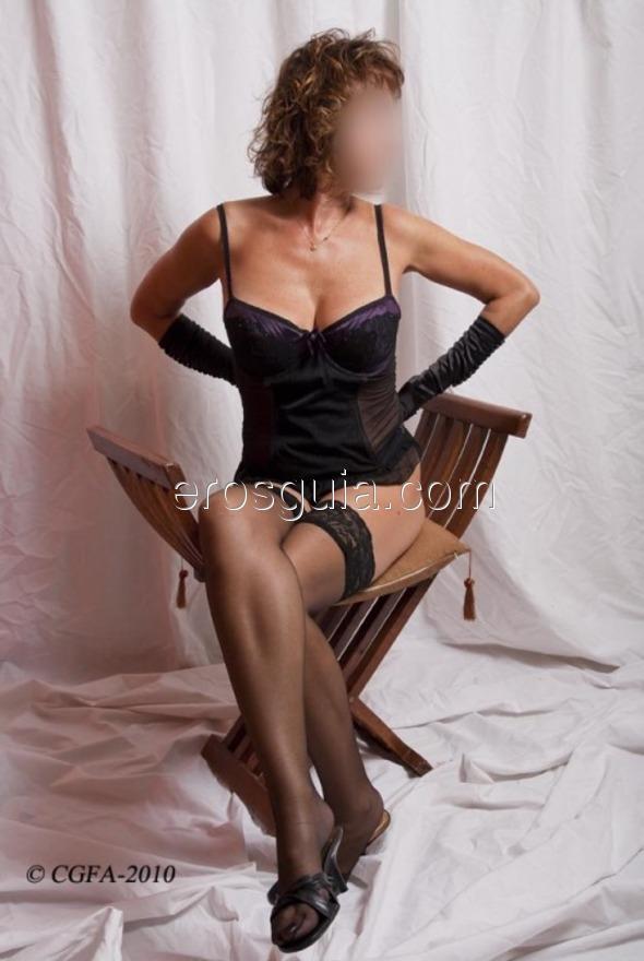 ¡Hola a todos! Me llamo Tiziana, la ex actriz porno de grande pechos y ojos...