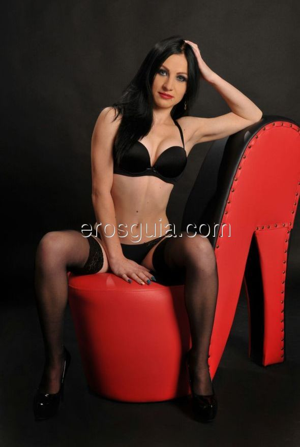escort vip independiente mamada adolescente