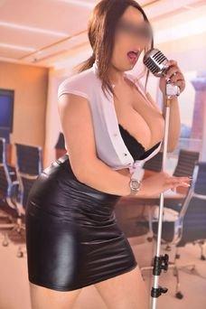 María Vip, 28 years