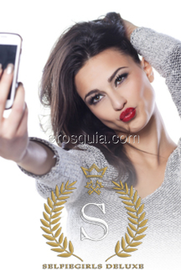 Selfie Girls Deluxe, Escort en Madrid - EROSGUIA